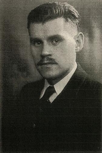 Portrait of the Jewish resistance fighter Josef Sterngold in 1943